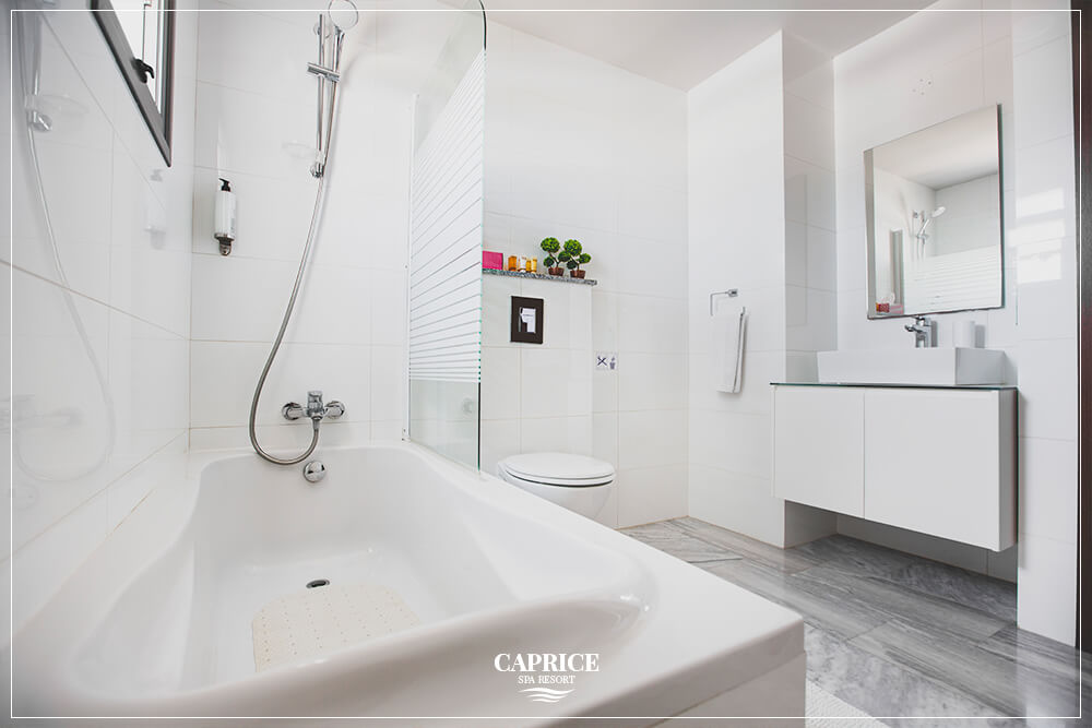 caprice spa resort deluxe room bathrrom